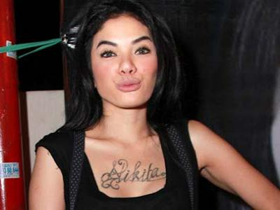 Nikita Mirzani Diperiksa Karena Aniaya Teman