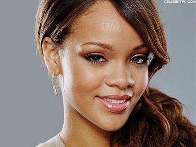 Rihanna Berani Mengisi Suara Film Animasi