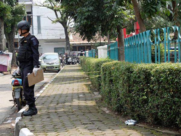 Berhasil Dilumpuhkan, Ini Barang Bukti di Lokasi Bom Taman Pandawa Bandung