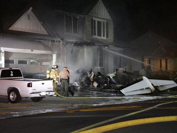 Pria Ini Rela Tabrakkan Pesawat ke Rumahnya Setelah Bertengkar dengan Istri