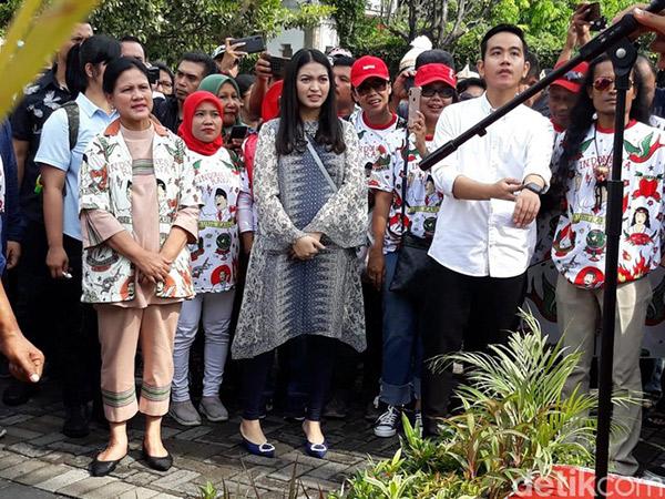 Antar Gibran Daftar Pilkada, Kemeja Iriana Jokowi Jadi Sorotan dan Sudah Sold Out