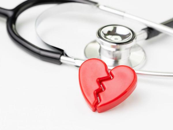 Sindrom Patah Hati Semakin Meningkat di Tengah Pandemi Covid-19