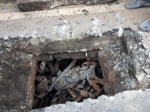 Limbah Kulit Kabel Juga Ditemukan di Gorong-gorong Jalan Kota Bandung