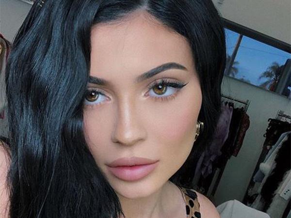 Reaksi Kocak Kylie Jenner Soal Rekor Likes Instagramnya yang Dikalahkan Sebuah Telur