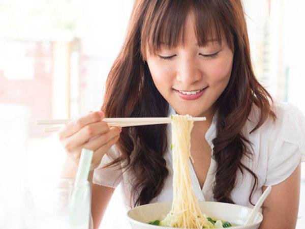 Dari Kebiasaan, Nissin Siap Luncurkan Mie Instan dengan Tambahan Nasi!