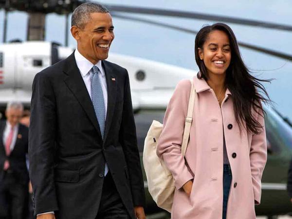 Ups, Anak Perempuan Obama Ketahuan Berciuman dan Merokok di Universitas Harvard