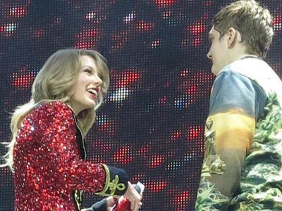 Duh, Ada Penyusup Naik ke Panggung Konser Taylor Swift!