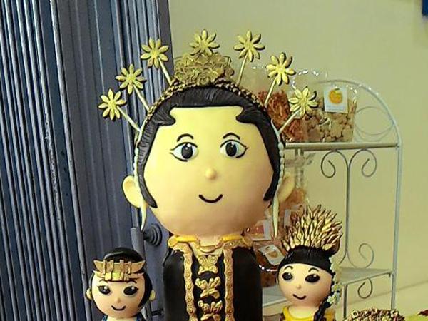 Uniknya Patung Peyeum untuk Peringati Hari Kartini