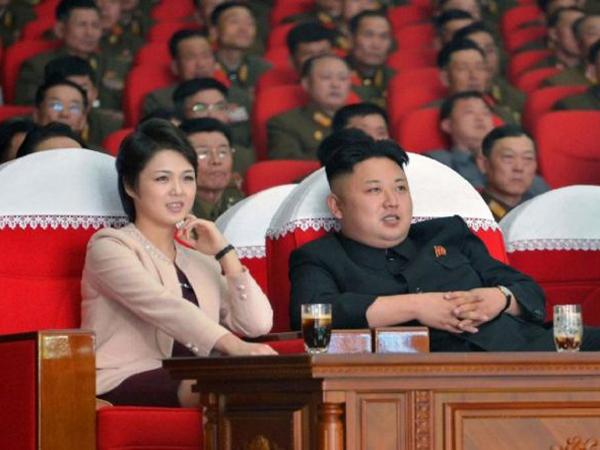 Lama Tak Terlihat, Istri Kim Jong-un Kembali Muncul di Hadapan Publik