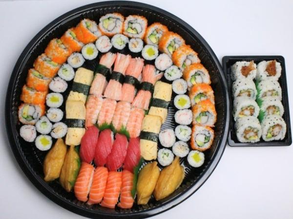 Ingin Makan Sushi Tapi Sedang Diet? Ini Tips dan Trik Agar Berat Badan Kamu Tetap Terjaga!