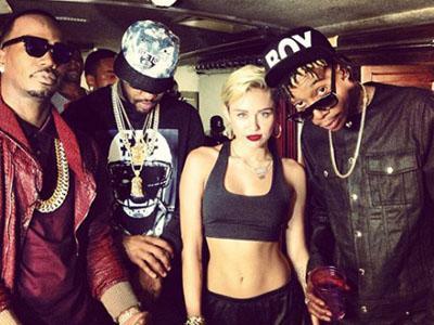Kelompok Rapper Kompak Beri Dukungan untuk Miley Cyrus!