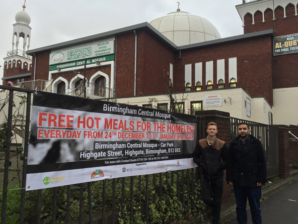 Tunjukan Keharmonisan, Masjid di Inggris Ini Beri Makanan Gratis untuk Gelandangan Saat Natal