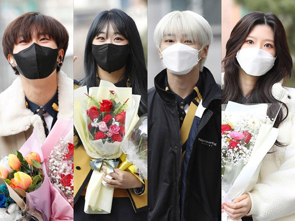 Foto-foto Idola K-Pop Kelahiran 2002 Hadiri Wisuda SOPA