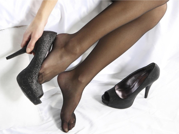 Pemakaian Sepatu Hak Tinggi Ternyata Tak Ada Untungnya Sama Sekali