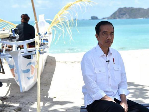 Manisnya Jokowi Pamerkan Pemandangan Indonesia yang Masuk Negara Terindah di Dunia