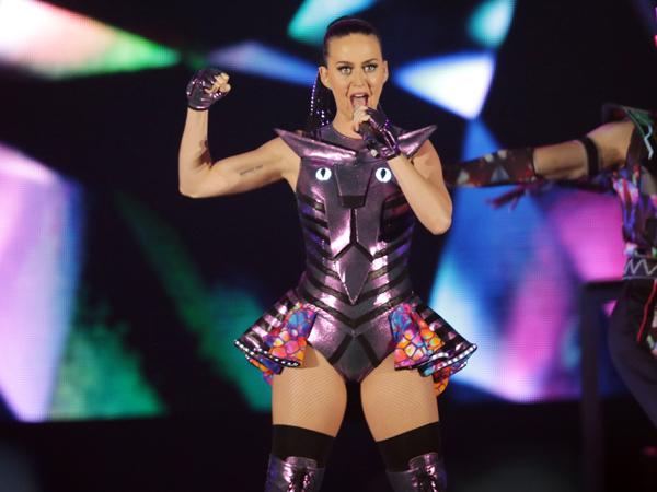 Polisi Filipina Gunakan Lagu Katy Perry untuk Bubarkan Demonstran Anti-APEC