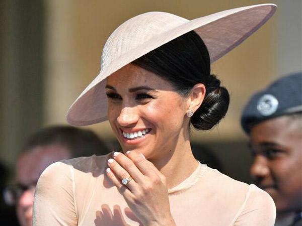 Meghan Markle Diminta Copot Gelar 'Duchess of Sussex'