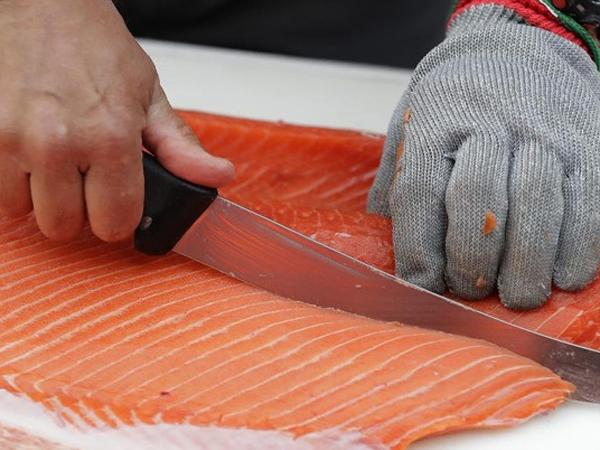Heboh Kabar Salmon Jadi Biang Keladi Kasus Covid-19 Baru di Cina