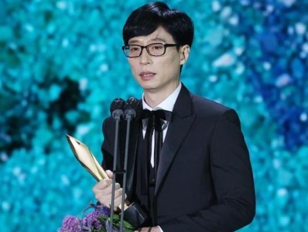 Netizen Kritik Sejumlah Aktor yang Tak Hormati Yoo Jae Suk di Baeksang Arts Awards