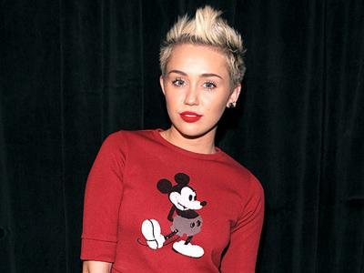Miley Cyrus Malu Dengarkan Lagunya Sendiri?