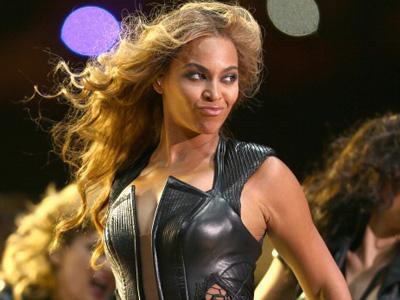 Tampil Spektakuler di Super Bowl, Kostum Beyonce Tuai Kritik