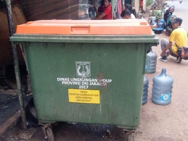 Usaha Jakarta Setara Kota di Negara Maju: Beli Tong Sampah Jerman