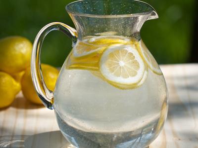 Inilah Manfaat Air Lemon yang Penting Bagi Tubuh