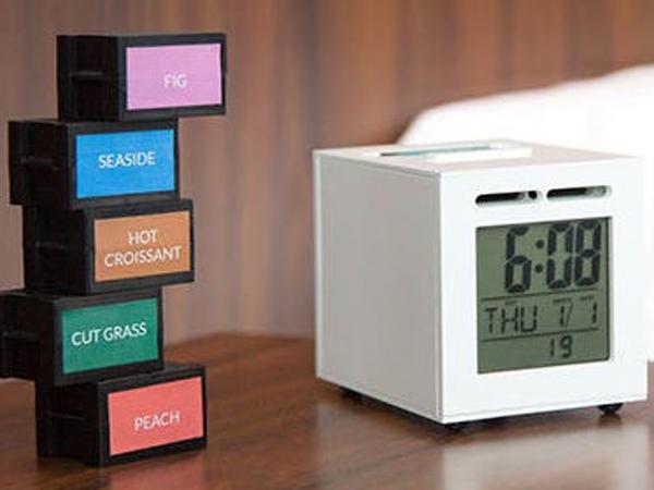 Bangun Tidur Jadi Lebih Menyenangkan dengan Jam Alarm Aroma Makanan Ini