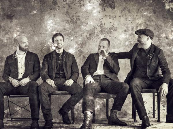 Bakal Rilis 2 Versi Album, Coldplay Promosi Lewat Koran