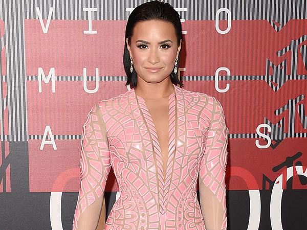 Tampil di Konvensi Nasional Partai Demokrat, Demi Lovato Bicara Tentang Penyakit Mental