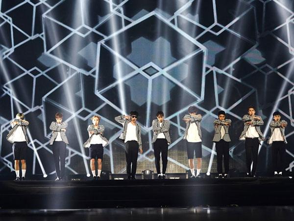 Ups, Tirai Penutup Saat EXO Ganti Baju di Konser Lepas!