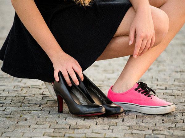 5 Hal Mengejutkan yang Terjadi Saat Kamu Berhenti Memakai High Heels