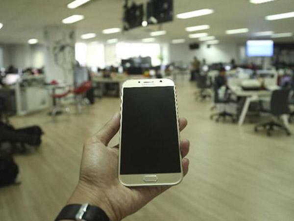 Karyawan Samsung Ini Nekat Curi 8 Ribu Unit Ponsel Demi Lunasi Hutang Miliaran