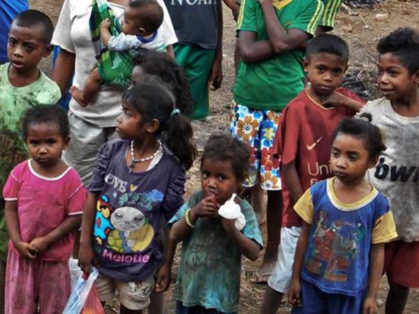 Alami Kekeringan Parah, Anak-anak di Alor Dekil Karena Tak Mandi Berbulan-bulan