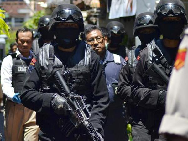 Terjadi Baku Tembak, Polisi Akhirnya Bebaskan Penghuni Rumah Pondok Indah yang Disandera