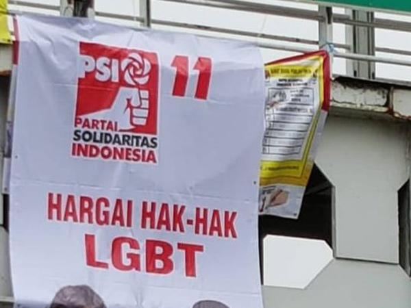Heboh Sebaran Spanduk LGBT, PSI Laporkan ke Bawaslu