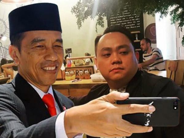 Ketika Netizen Kreatif Berlomba Selfie Bareng Jokowi, Begini Hasilnya