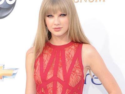 Album Terbaru Taylor Swift Berhasil Raih Sukses
