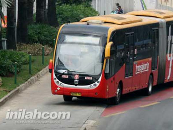 Hindari Pelanggaran, Gubernur Ahok Siap Pasang 4000 CCTV di Jalur Transjakarta