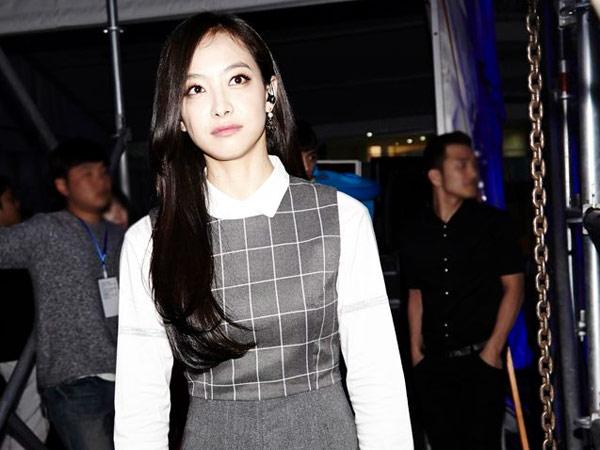 Victoria f(x) Ikut Buka Suara Soal Rumor Pembatalan Kontraknya dengan SM Entertainment