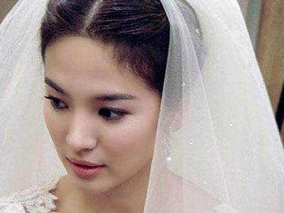 Sering Gunakan Gaun Pengantin, Song Hye Kyo Mati Rasa
