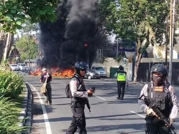 Bomber Gereja Surabaya dan 2 Anak Akhirnya Dimakamkan Karena Hancur dan Berbau?