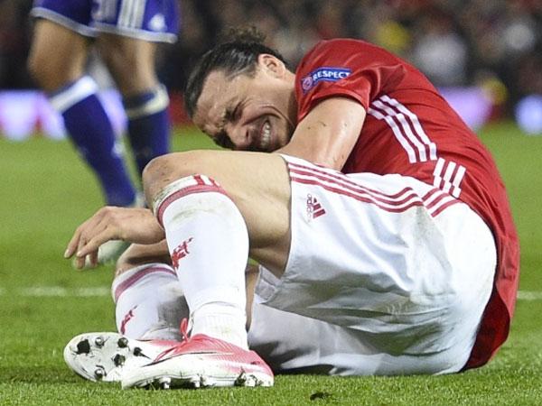 Cedera, 'Bomber' Manchester United Zlatan Ibrahimovic Absen Hingga Akhir Musim?