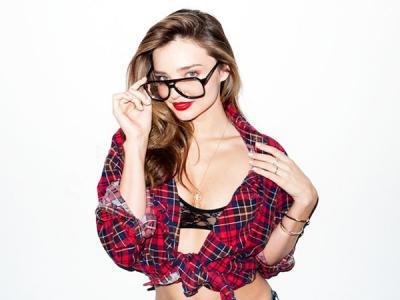 Model Seksi Miranda Kerr Siap Debut Sebagai Penyanyi!