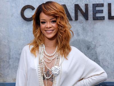 Rekam Lagu Baru, Rihanna Kolaborasi dengan Artis Misterius!