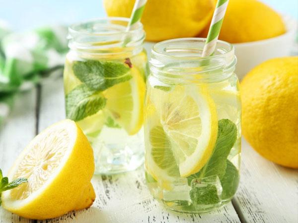 Inilah Mengapa Minum Air Lemon Bisa Turunkan Berat Badan