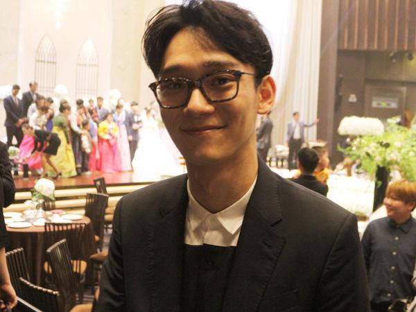 Tunjukkan Loyalitas, Chen EXO Terlihat Hadir dan Tampil di Pernikahan Teman Dekatnya