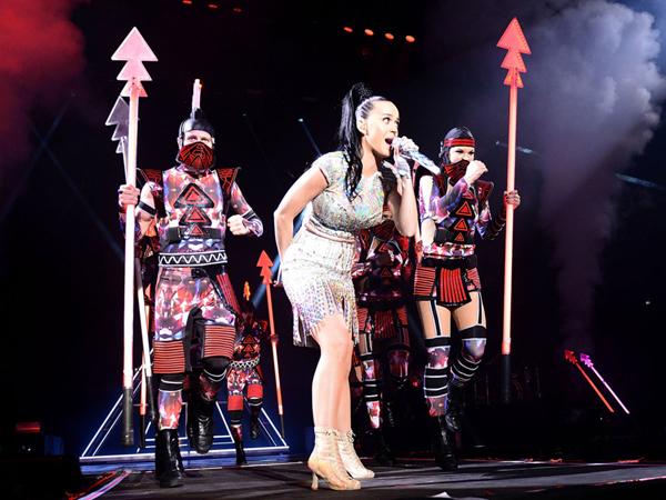 Konser di Jakarta, Katy Perry akan Bagikan Kacamata 'Prism Vision' untuk Penonton!