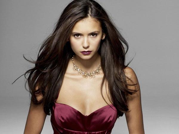Nina Dobrev Resmi Tinggalkan 'The Vampire Diaries'!
