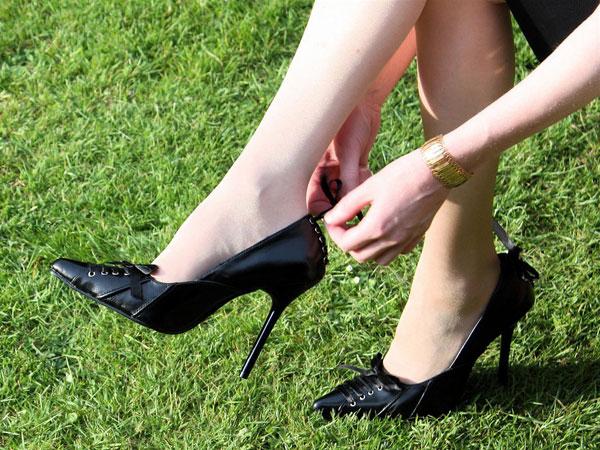 61pakai-high-heels.jpg